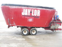 JAYLOR 31000 Vertical TMR Mixer