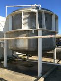 4,000 GALLON VERTICAL STAINLESS