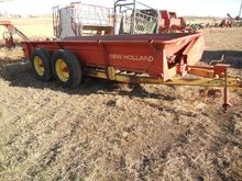 1981 NEW HOLLAND 679 Manure Spr