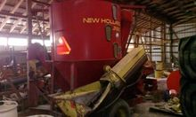 NEW HOLLAND 355 Feed Mixers