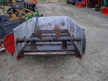 H and S Hs 80 Manure Spreaders