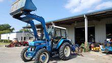 NEW HOLLAND 3930 Tractors