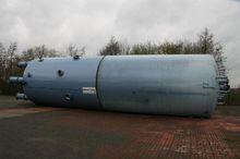 Steel pressure vessel standing