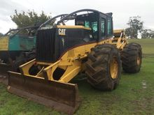 CATERPILLAR 545 LOG SKIDDER