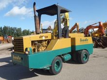 1989 Hyster C530A Roller