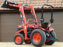 Kubota B7000 Compact Tractor wi