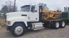Used 2000 Mack Truck