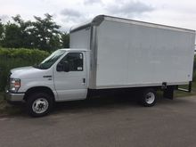 2016 FORD E350 Box Truck - Stra