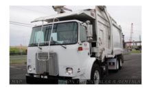 2005 AUTOCAR WX64 Garbage Truck