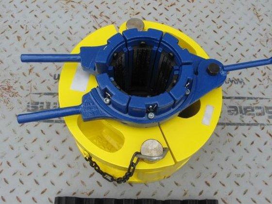 BAASH-ROSS STYLE Pipe Handling Equipment