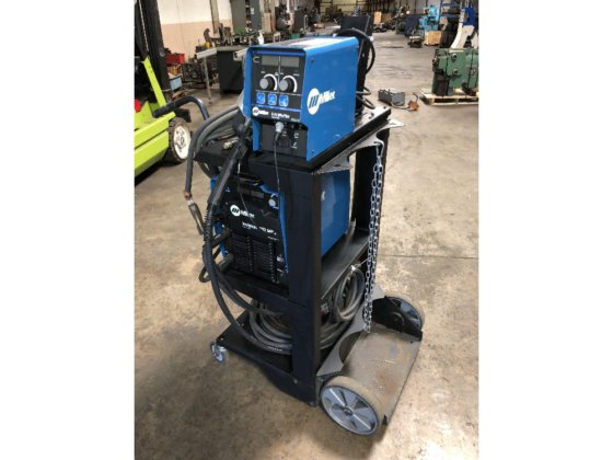 2013 Miller Invision MPa Plus System MIG Welder with S-74 Wire Feed in  Newington, CT, USA
