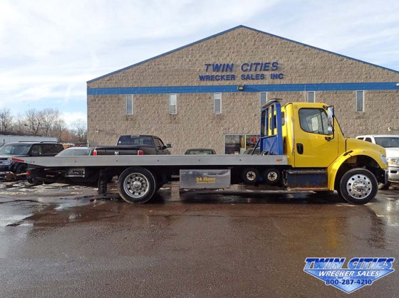 2015 Freightliner M2 rollback tow truck in Saint Paul, MN, USA