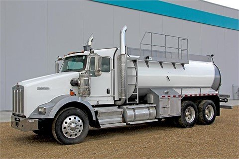 2011 KENWORTH T800 #11030 in