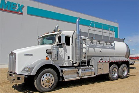 2011 KENWORTH T800 #11033 in