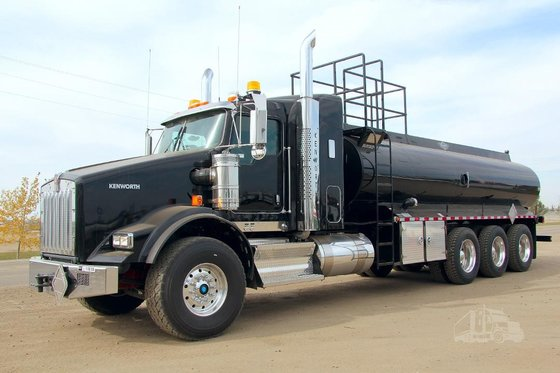 2015 KENWORTH T800 #11818 in