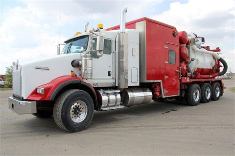 2010 KENWORTH T800 #13001 in
