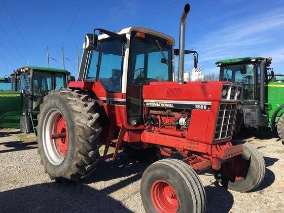 International Harvester 1586 Tractor : International harvester in okawville il usa