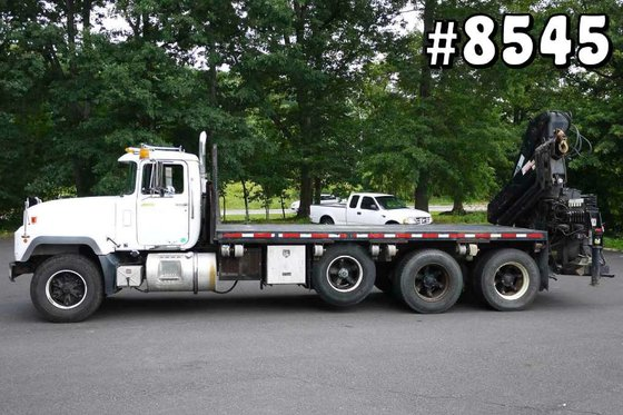 1997 MACK RD688S with HIAB