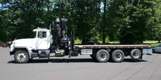 2003 MACK RD688S with HIAB