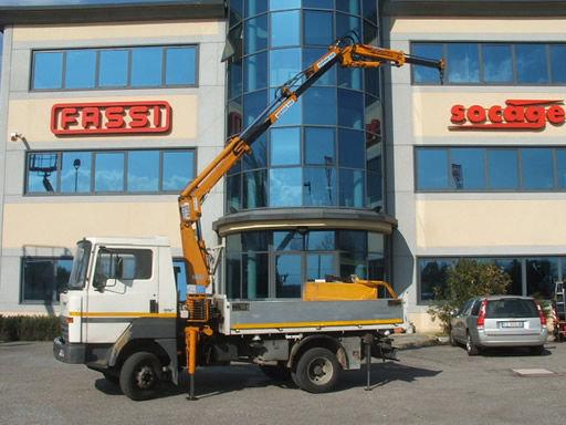 NISSAN l50 dump truck in