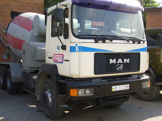 2001 MAN concrete mixer truck