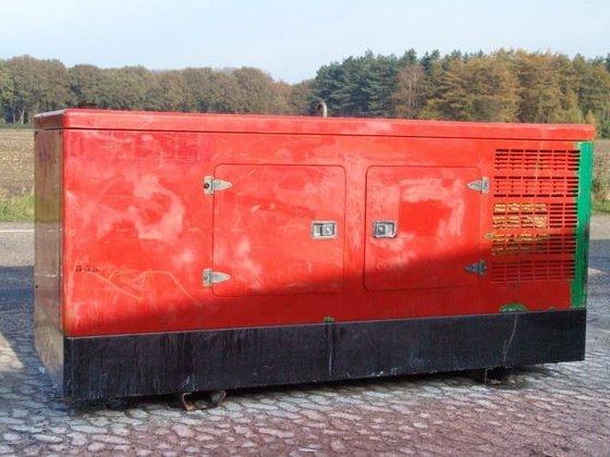 2004 Himoinsa generator in Veldhoven,