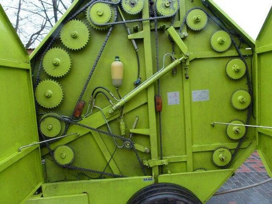 1990 CLAAS Rollant 62 round