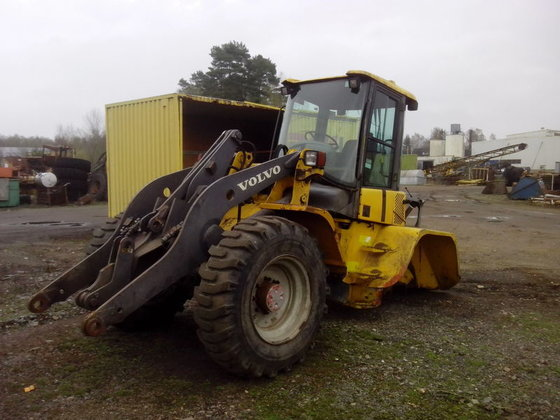 2000 VOLVO L45B for spare