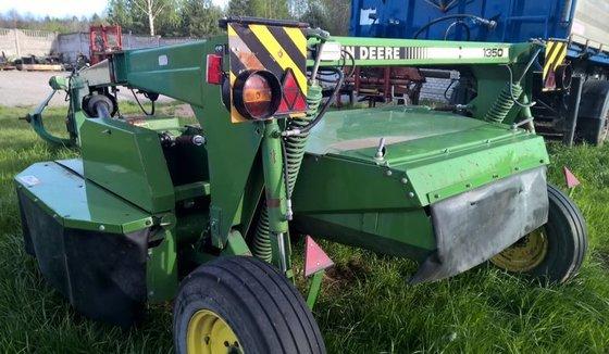 JOHN DEERE 1350 mower-conditioner in