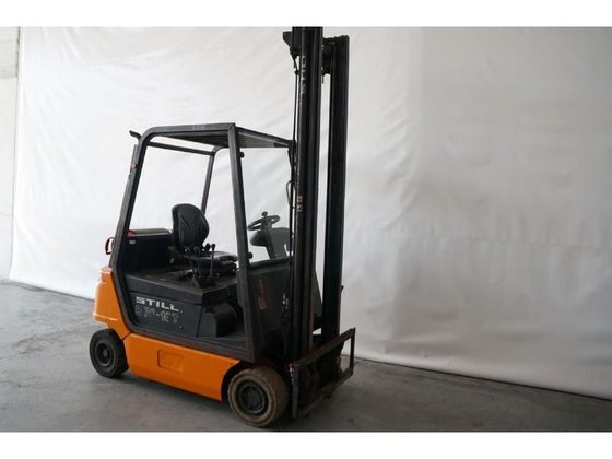 2003 STILL R70-18T forklift in