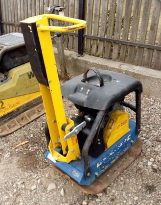 2007 DYNAPAC LG200 plate compactor