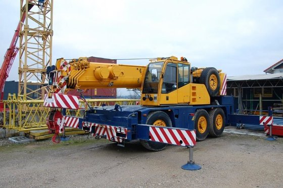 2001 DEMAG AC 40-1 mobile
