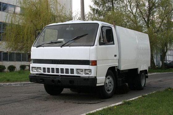 1992 ISUZU NPR573 road sweeper