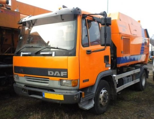 1999 DAF 45 road sweeper