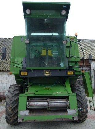 1988 JOHN DEERE 1072 combine-harvester
