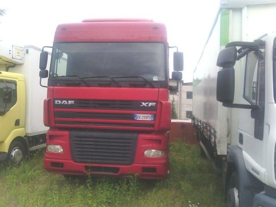 2003 DAF XF95.480 tractor unit