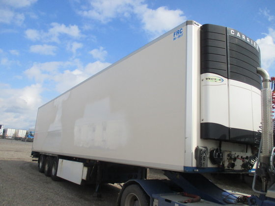 2008 KRONE refrigerated semi-trailer in