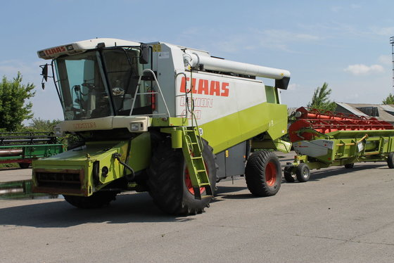 1999 CLAAS Lexion 460 harvester