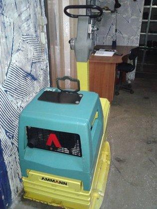 2014 AMMANN APH6530 plate compactor