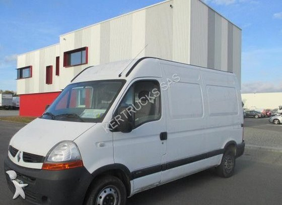 2008 RENAULT Master closed box
