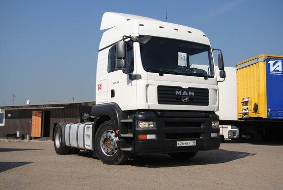 2007 MAN tractor unit in