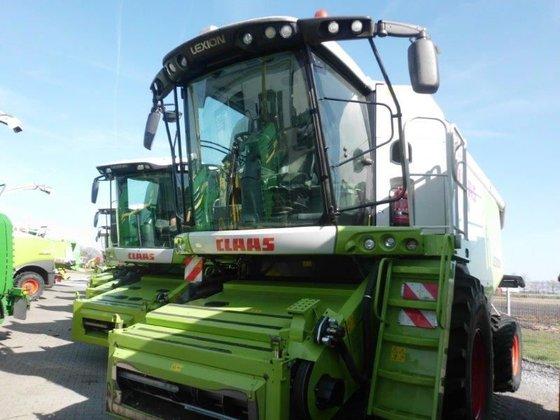 2011 CLAAS Lexion 760 combine-harvester