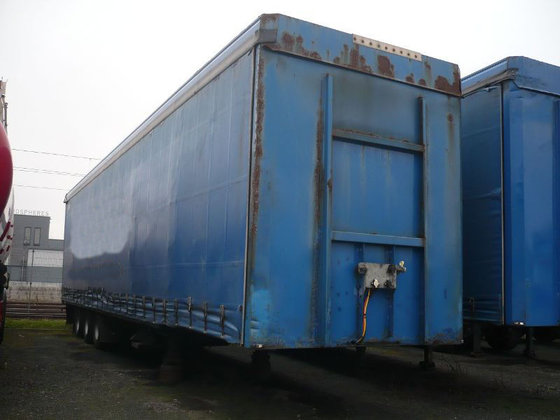 2004 SPM324 tilt semi-trailer in