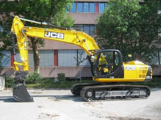 2014 JCB JS 210 tracked