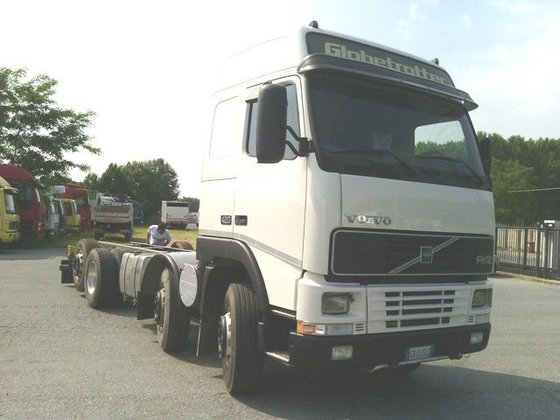 2002 VOLVO FH12.420 8X2 chassis