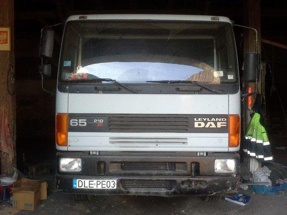 1995 DAF flatbed truck in