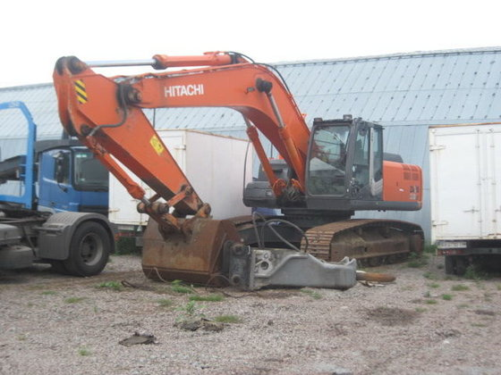 2008 HITACHI 330 tracked excavator