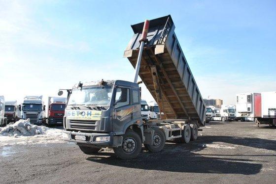 2012 FAW 3312 dump truck