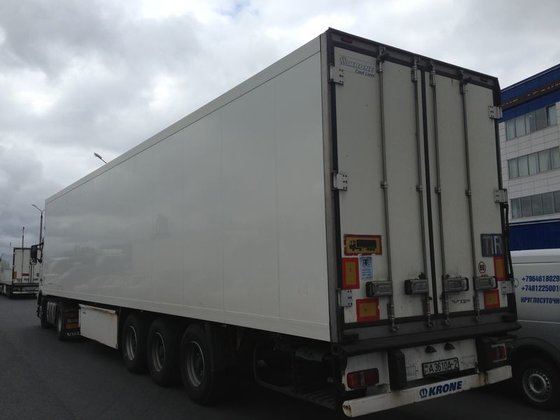 2009 KRONE refrigerated semi-trailer in