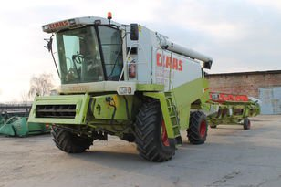 1996 CLAAS Lexion 460 combine-harvester